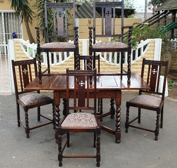 SET-OF-6-OAK-BARLEY-TWIST-CHAIRS-WITH-MATCHING-EXT-TABLE