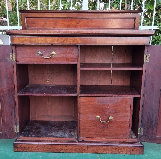 VICTORIAN FLAMED MAHOGANY HALL CABINET    PRICE: R6950.00 ; {106CM X 50 X 97H}