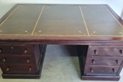 LARGE-MAHOGANY-LEATHER-TOP-PARTNERS-DESK